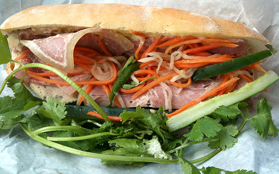 VinhHao-BanhMi.JPG