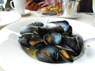 Mussels in wine.jpg