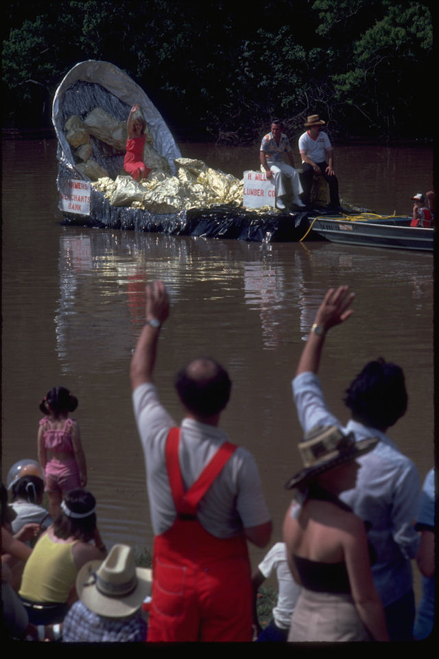crawfish festival water borne parade, breaux bridge, cajun country.jpg