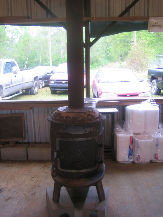 17-old iron stove to heat serving room.JPG