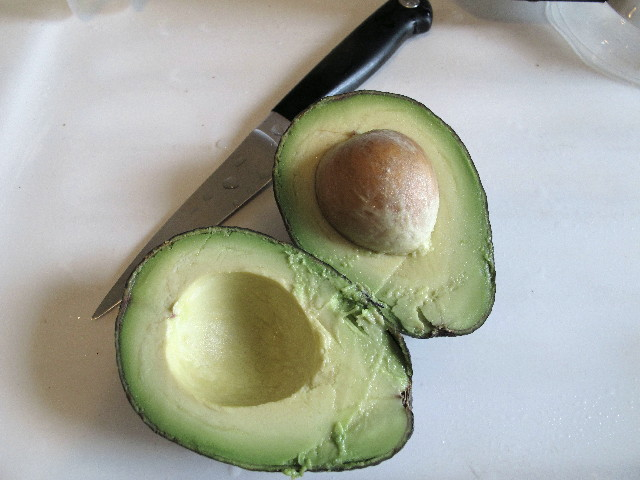 2012_03_09 Avocado, Cut.jpg