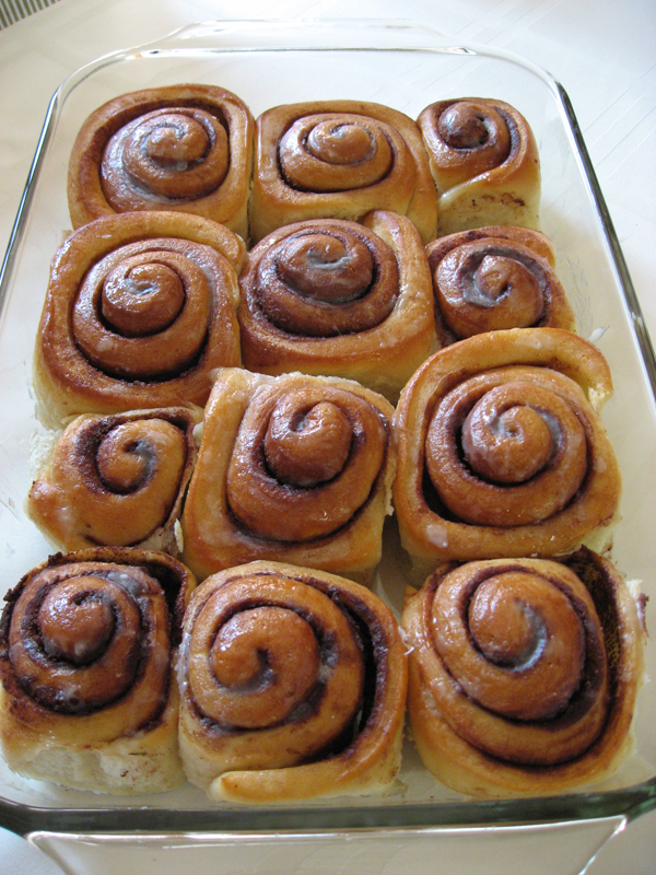 cinnamonRolls-2012May16.jpg