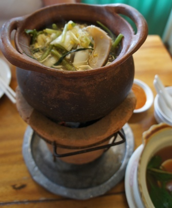 Kruanaibaan Home Kitchen - Claypot soup.jpg