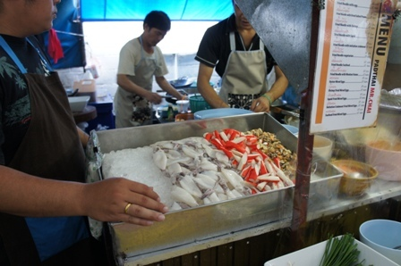 Covered Foodhall - Squid noodle cooks.JPG
