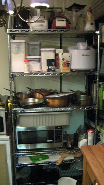 kitchen tour 017.JPG