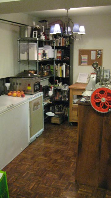 kitchen tour 010.JPG