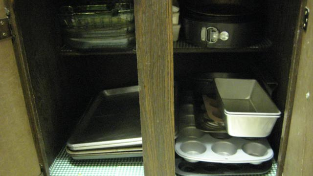 kitchen tour 009.JPG