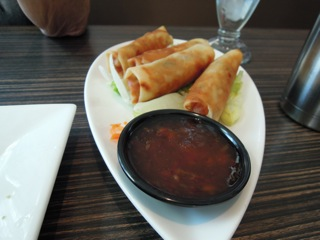 Crispy Vietnamese spring rolls.jpg