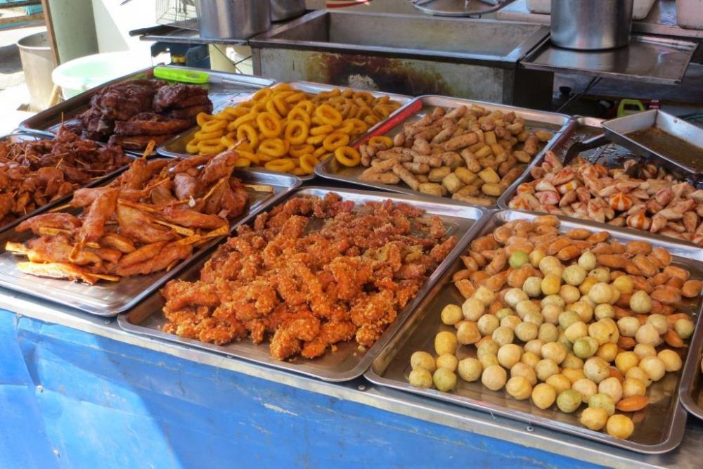 150527 029 Yakeshi Market Street Food.JPG