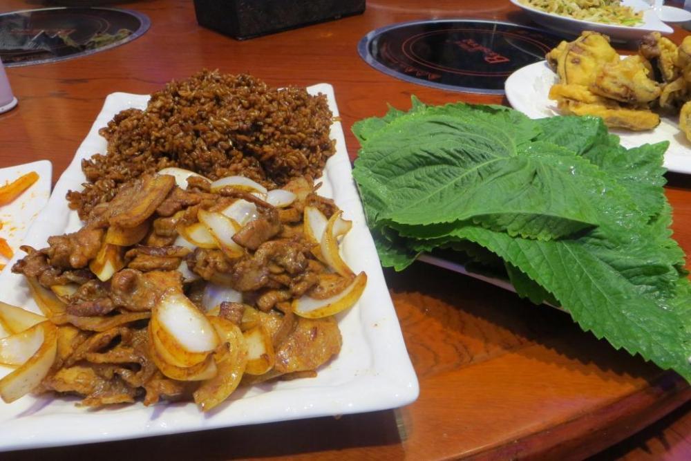 160527 052 Lunch Lettuce Wrap Pork.JPG