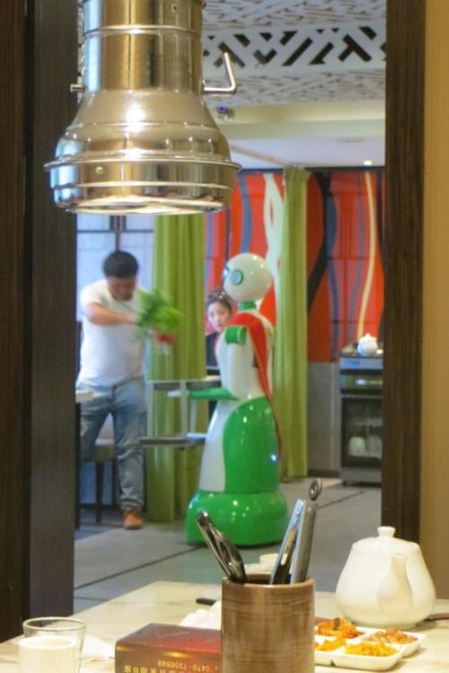 160527 060 Dinner Robot.JPG