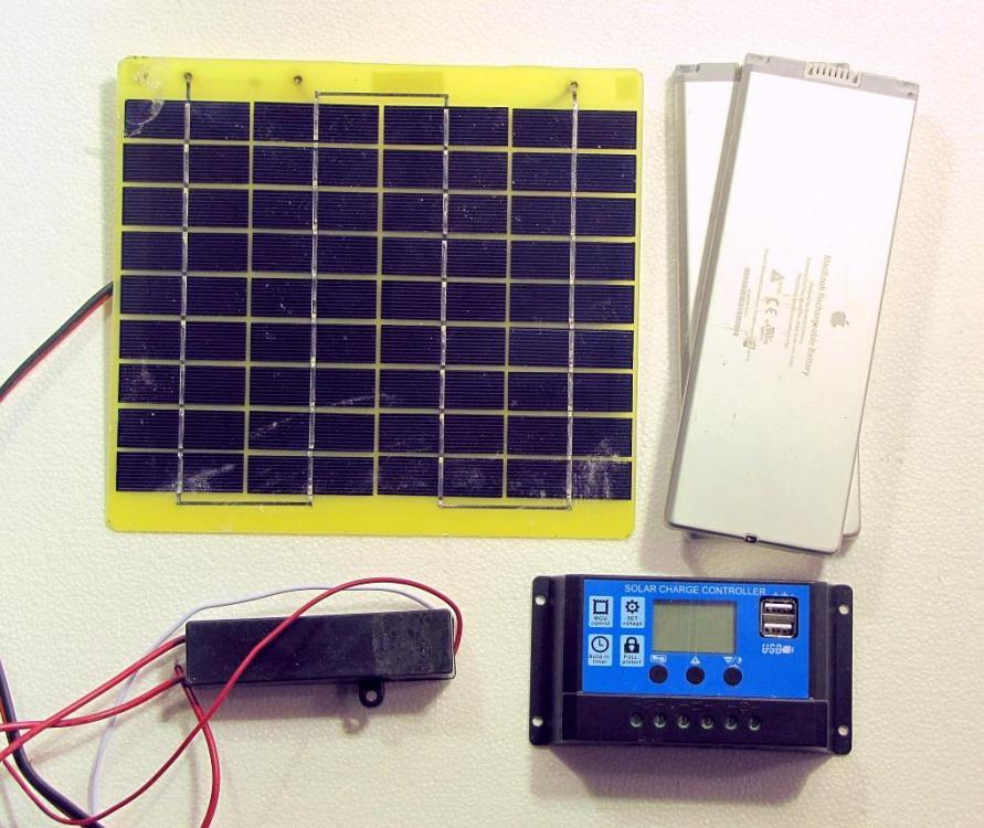 solar fence cahrger.JPG