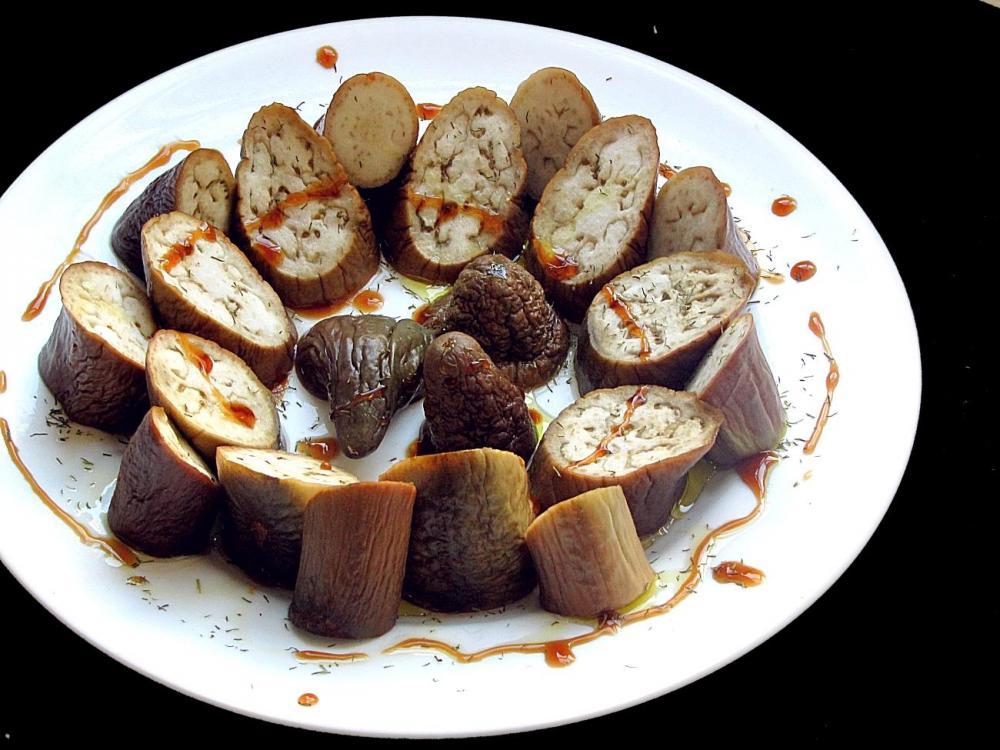 59ca7b7f502c1_eggplantoldyoung.thumb.JPG.b9796320a04cc0b761c9abe1719d484e.JPG