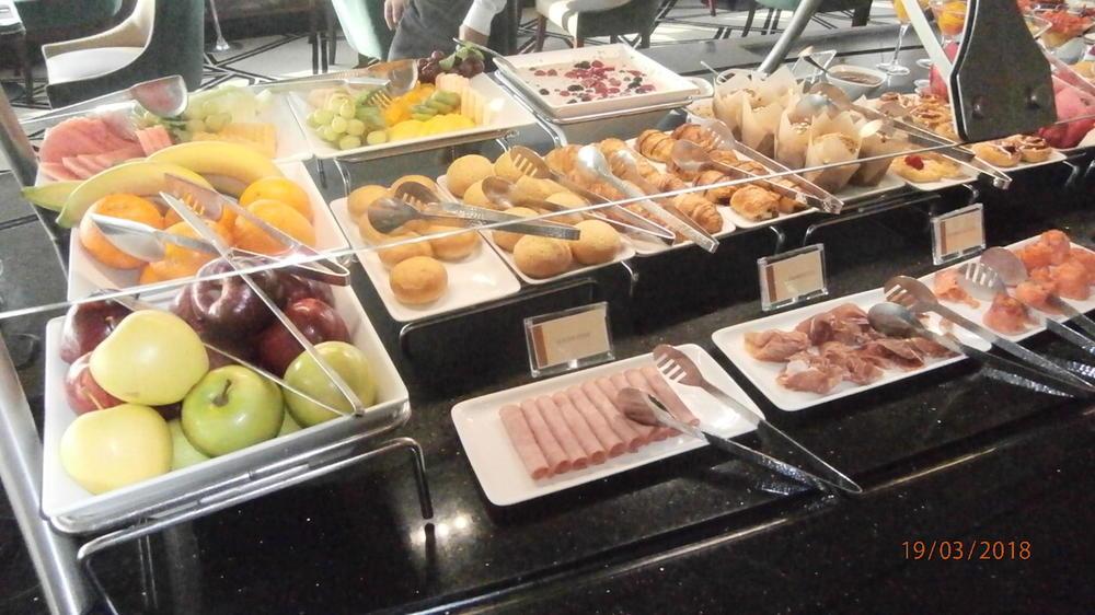 5ab01ea102bcf_BreakfastSpread3.thumb.JPG.e57f58120bbaa7a29fef9d32740752bb.JPG