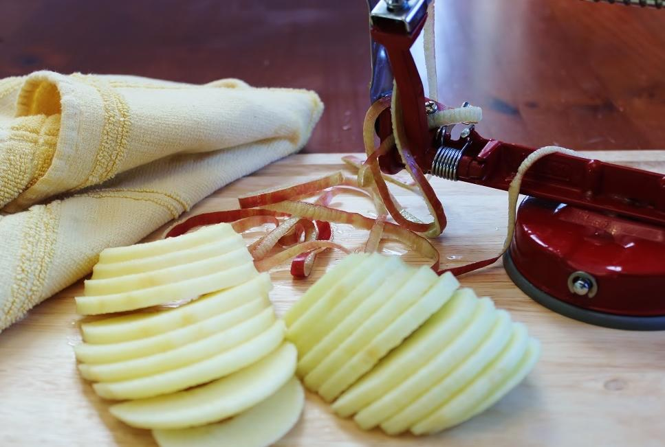 Coring and slicing the apples.JPG