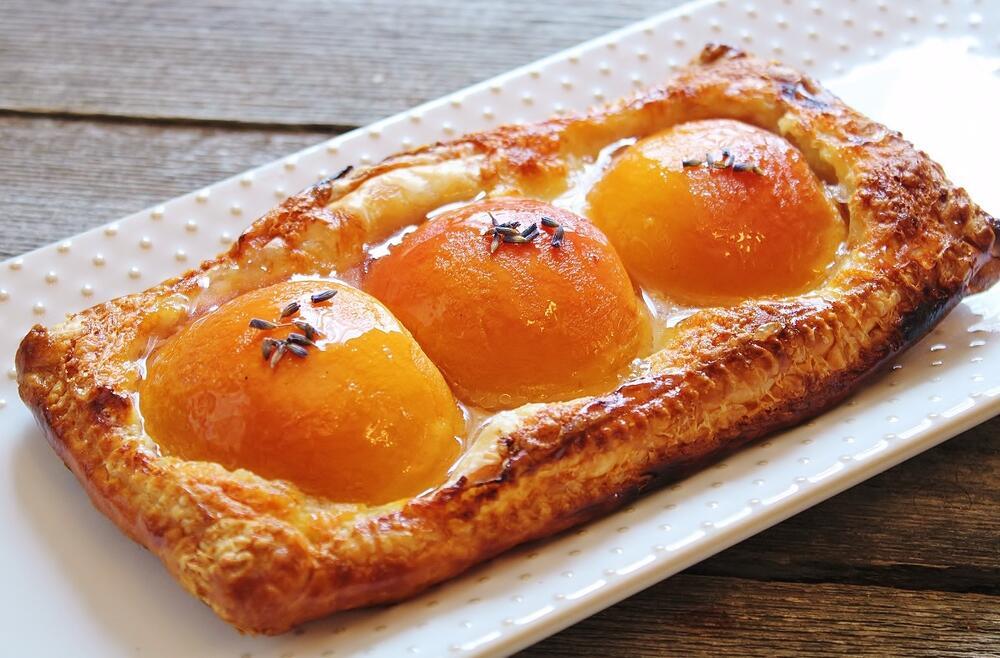 Sweet Riesling Peach Tart with Lavendar.JPG