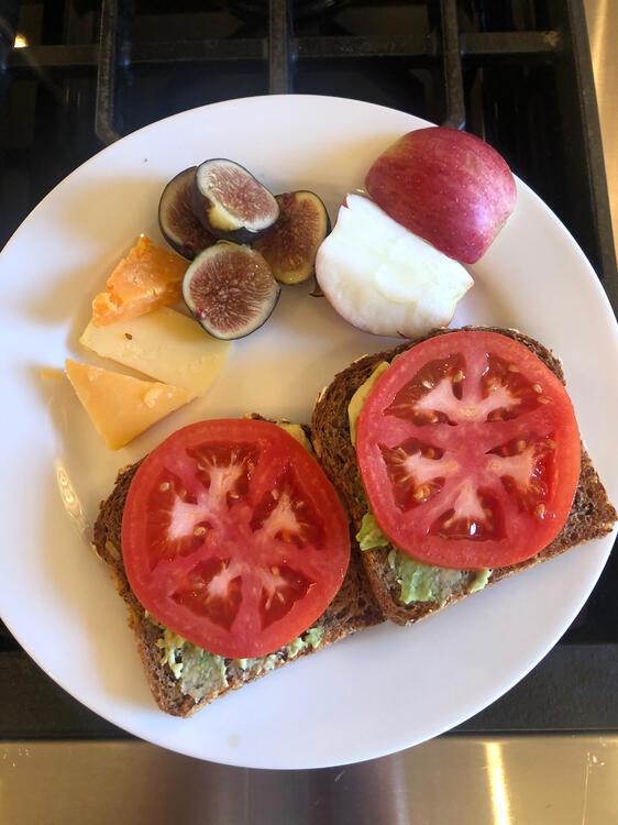 262617675_Breakfast10-15.thumb.jpeg.020e2f69aff8f274219215f6e75796b5.jpeg