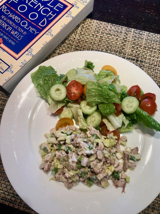 1776275415_Chickensaladsalad01-10.thumb.jpeg.be737283089f095f796e355a28202bb9.jpeg